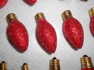 Red glitter bulbs (800x600)
