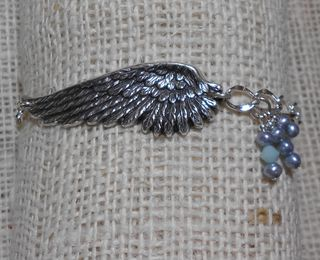 Angel wing bracelet (800x651)