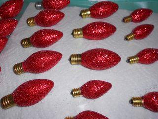 Red glitter bulbs 2 (800x602)