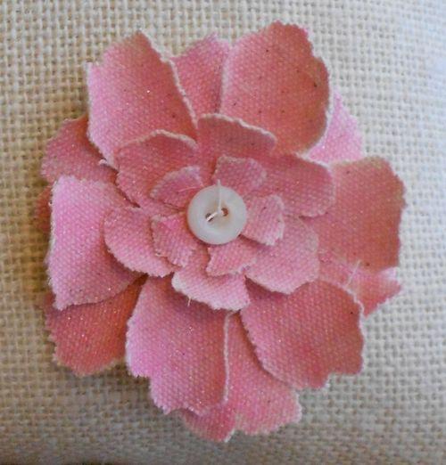 Flower closeup (766x800)