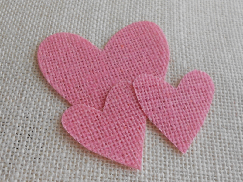 Little burlap hearts (800x600)