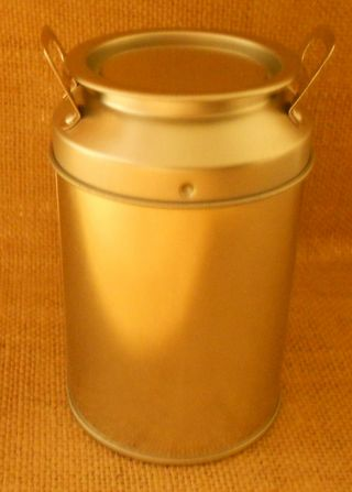 Milk can view of lid (573x800)