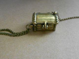 Treasure chest (800x600)