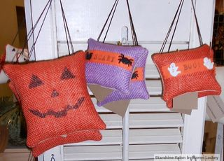 Halloween ornaments (2)